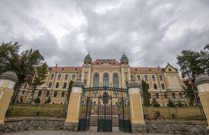 mártonÁron-gimnázium